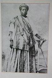 2 Mãe Bada de Oxalá 1939-1941 Segundo a enciclopédia brasileira da diáspora africana, ela era filha de africanos e codirigiu o Afonjá ao lado de Mãe Senhora durante um breve intervalo