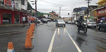 Após deslizamento, Ladeira do Cacau segue com trânsito de veículos interditado