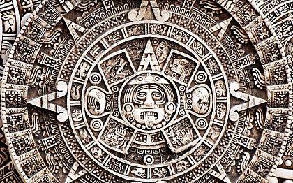 Cientista diz que 'calendário Maia' foi lido errado e prevê fim do mundo neste domingo