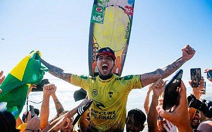 Gabriel Medina faturou o tricampeonato do Circuito Mundial de Surfe