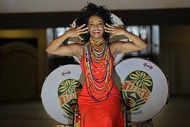 Gleiciele Teixeira Oliveira: 22, modelo e dançarina. Porque quero ser uma referência para muitas mulheres negras elevando a autoestima. @ellen_oliver97