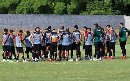 Elenco do Vitória se prepara para jogo contra o Jacobina, pelo Campeonato Baiano