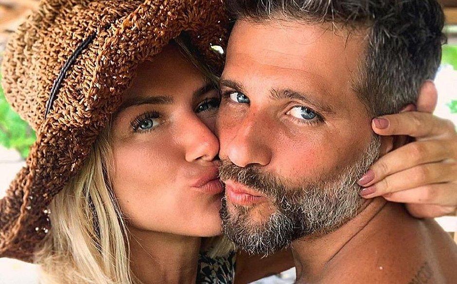 Gagliasso revela o que sentiu ao saber da gravidez de Gio Ewbank: 'Pânico'
