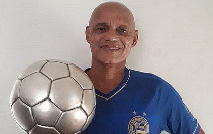 Paulo Rodrigues decidiu leiloar Bola de Prata para ajudar os mais necessitados