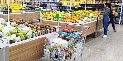 Transmissão de coronavírus por embalagens e alimentos é 'muito improvável', diz FDA