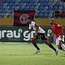 Wesley marcou os dois gols do Vitória e garantiu o triunfo rubro-negro fora de casa