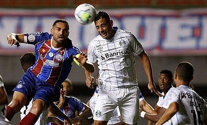 Bahia de Gilberto abusou de perder chances no ataque e foi castigado com a derrota para o Grêmio, em Pituaçu