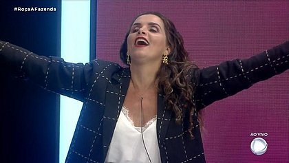 'A Fazenda 12': Luiza Ambiel é a sexta eliminada