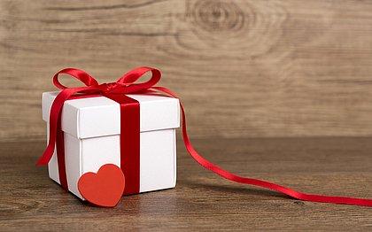 Esqueceu do Dia dos Namorados? Veja opções de presentes de R$ 9,90 até R$ 390