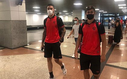 Delegação do Vitória retornou para Salvador após triunfo contra o Guarani