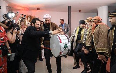 Apresentação terminou sob aplausos e o zaghrúta (gritos femininos característicos da cultura árabe entoados em momentos de extrema alegria)