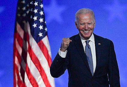 Após invasão ao Capitólio, Congresso dos EUA ratifica vitória de Biden na eleição