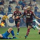 Gabriel comemora o primeiro gol do Flamengo no Mineirão