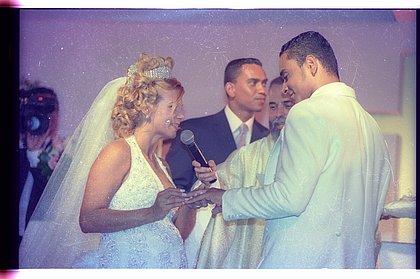 """Há 20 anos casamento de Xanddy e Carla Perez """"abalou"""" o Brasil; veja fotos"""