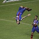 Gilberto comemora um dos gols marcados na vitória sobre o Atlético-MG