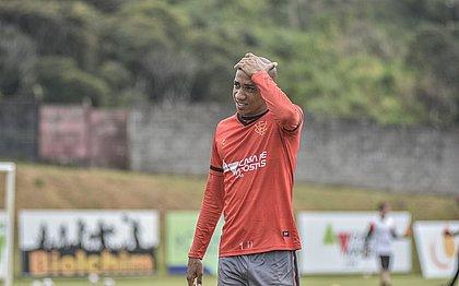 O volante Pablo Siles é um dos titulares do Vitória na Série B do Brasileiro