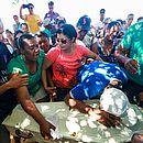 Enterro de crianças mortas em tragédia causou comoção entre os moradores da cidade mineira