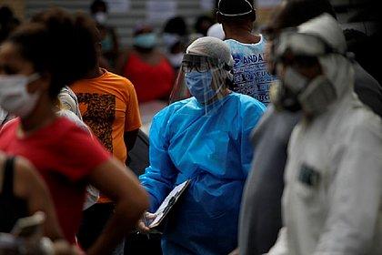 Ameaça à linha de frente: casos de covid-19 entre profissionais de saúde crescem 2.512% na Bahia