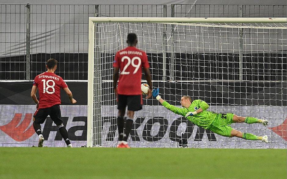 Man. United marca na prorrogação e avança às semis da Liga Europa