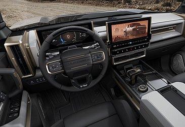 O interior da Hummer EV mescla robustez e tecnologia