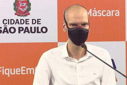 Prefeito Bruno Covas é intubado em UTI após sangramento no estômago