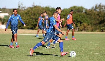 Atualmente Nino é o único lateral direito de origem à disposição de Mano Menezes