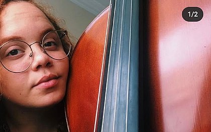 Clara Mascarenhas, filha do cantor Canindé, morre aos 22 anos, vítima da covid-19