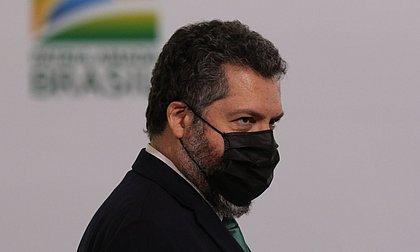 Na mira da CPI, Ernesto Araújo diz que sua atuação 'não foi empecilho para nada'