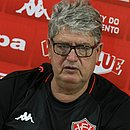 Técnico Geninho avalia que o Vitória merecia ter vencido o Atlético-GO