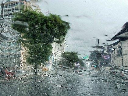 Chuvas fortes: sirenes são acionadas no Alto da Terezinha e moradores deixam suas casas