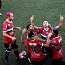 Jogadores do Atlético comemoram gol da virada marcado por Ronan