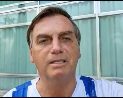 Bolsonaro deseja sorte a policiais do caso Lázaro, mas não comenta 500 mil mortes