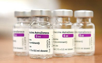 Comissão Europeia não renova pedido de vacinas produzidas pela AstraZeneca
