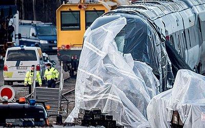 Cinco mulheres e três homens foram mortos no acidente de trem que ocorreu na quarta-feira (2 de janeiro de 2019) pela manhã na ilha Funen em Copenhage na Dinamarca.