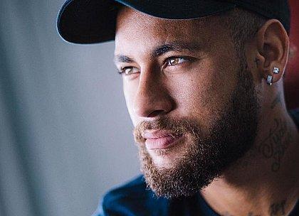 Neymar se posicionou através das redes sociais