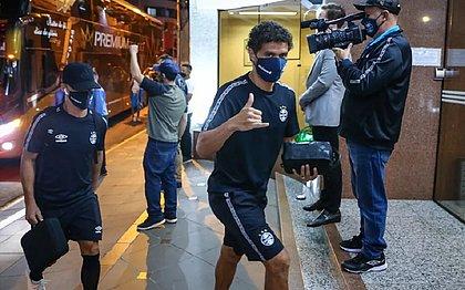 Victor Ferraz apresentou sintomas de covid-19 e retornará a Porto Alegre