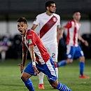 Paraguaio Romero comemora um dos seus gols