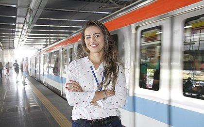 Monique começou na ouvidoria da CCR e hoje é supervisora de estação