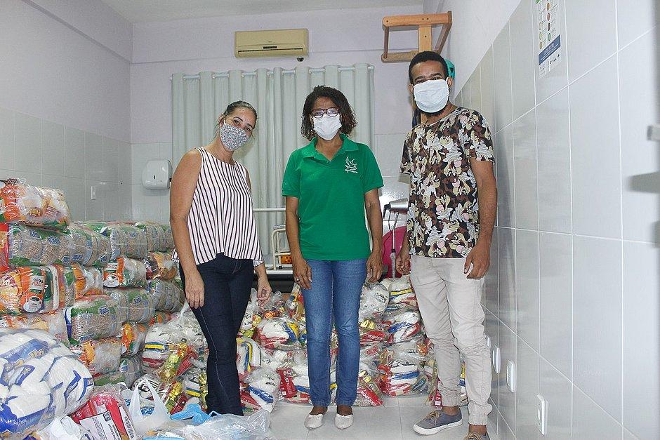 Grupo JCPM doa respirador e cerca de 4 mil cestas básicas para Salvador