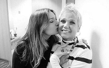 Xuxa pede netos a Sasha, que responde: 'Calma, mãe'