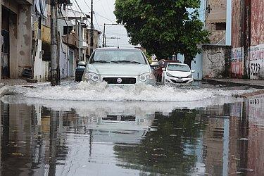 Alagamento no dia 9 de abril de 2015, o terceiro dia mais chuvoso desde 2014