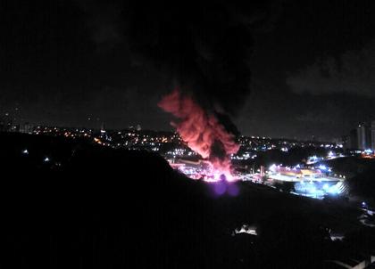 Prejuízo causado por incêndio chega a R$ 12 milhões; ônibus não tinham seguro