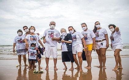 Idosa completa 98 anos no dia de Iemanjá e 'ganha' vacina de presente