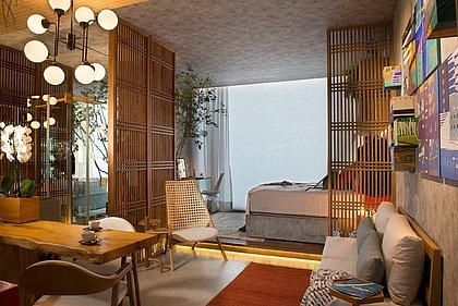 O espaço possui cozinha, living, quarto e banheiro, e é ideal para conciliar os momentos de lazer e inspiração