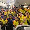 Jogadores da Colômbia chegam a Salvador para a disputa da Copa América