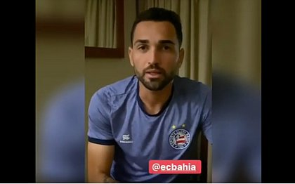 Gilberto grava vídeo para o torcedor do Bahia
