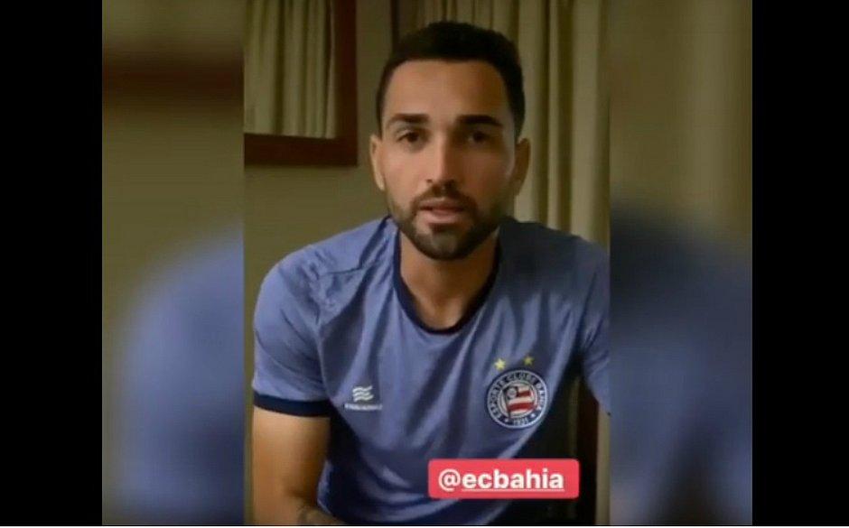 Gilberto grava vídeo para o torcedor do Bahia