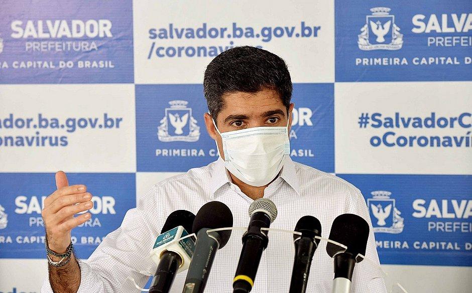 ACM Neto chama Bolsonaro de 'adversário das medidas de isolamento'