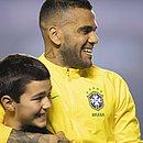 Nascido em Juazeiro, no interior da Bahia, Daniel Alves quer sentir o calor da torcida baiana na Fonte Nova