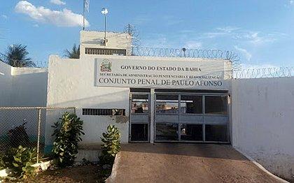 Detentos serram cela e fogem de Conjunto Penal de Paulo Afonso